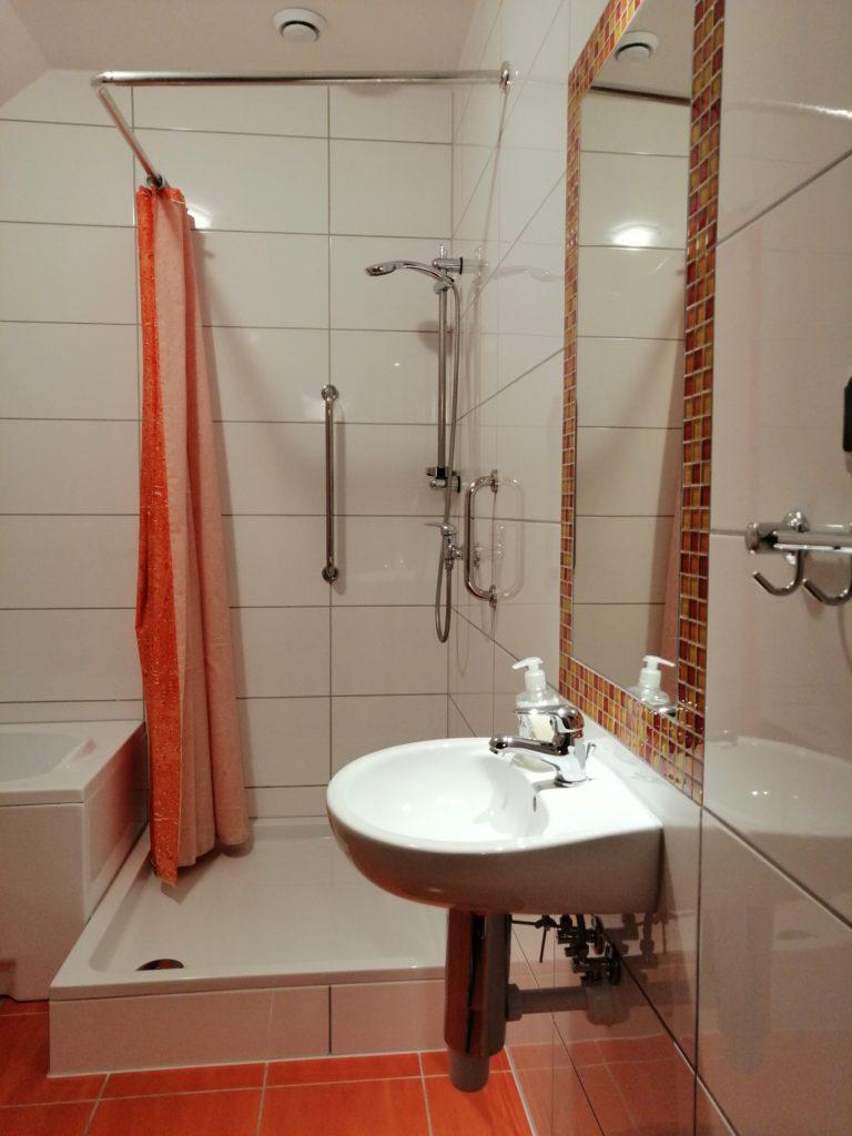 łazienka przy śliwkowym